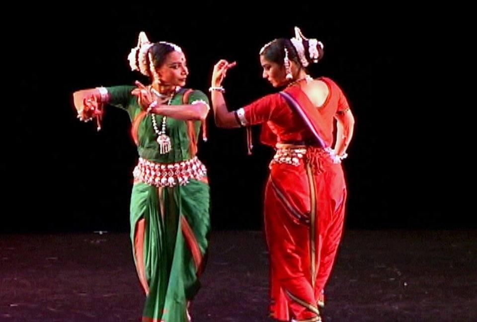 "Nrityagram Dance Ensemble: ""Kisalaya Shayana"" from Sacred ..."